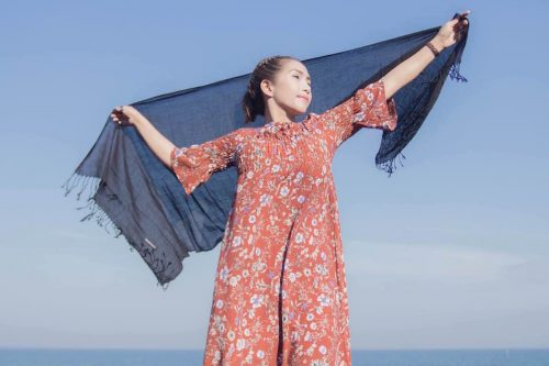 buy black cashmere scarf online