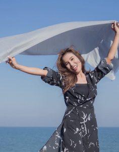 buy silver shawl online